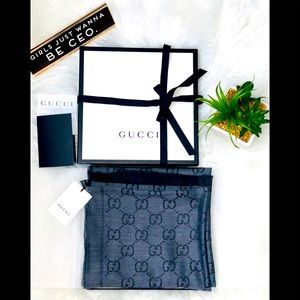 New Gucci Reversible Scarf